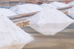 Estrazione mineraria del sale marino Fotografia Stock Libera da Diritti