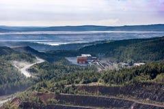 Estrazione mineraria di Kachkanar ed impianto di lavorazione Fotografia Stock Libera da Diritti