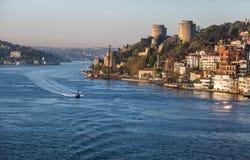 Estrecho de Bosphorus por la mañana Foto de archivo