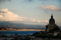 Estrecho de Messina imagenes de archivo
