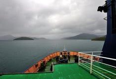 Estrecho del cocinero del viaje en transbordador de BlueBridge, NZ Imagenes de archivo