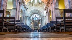 Estrela大教堂的内部在里斯本,葡萄牙 库存照片