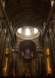 Estrela basilika, Lissabon, Portugal: det välvde taket, kupolen och koret Fotografering för Bildbyråer