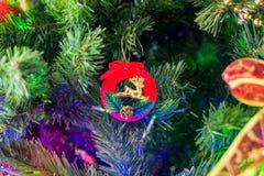estrela 2017 brilhante do fundo da tradição do inverno do ano do xmas do feriado do galo do Natal Imagem de Stock
