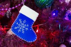 estrela 2017 brilhante do fundo da tradição do inverno do ano do xmas do feriado do galo do Natal Fotos de Stock Royalty Free