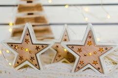 Estrela cerâmica bonita com luminoso do diodo emissor de luz Foto de Stock