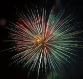 Estrela colorida bonita dos fogos-de-artifício Fotografia de Stock Royalty Free