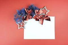 Estrela com sparkles no fundo coral de vida imagem de stock royalty free