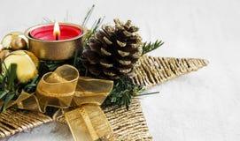 Estrela da decoração da vela do Natal Foto de Stock