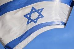 Estrela de David em uma bandeira israelita azul e branca Imagens de Stock