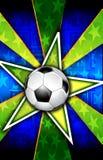 A estrela de futebol estourou o verde Imagens de Stock
