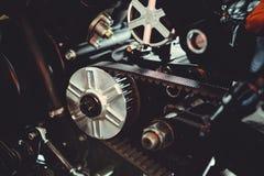 Estrela dianteira da motocicleta com close-up da rotação da correia imagem de stock royalty free