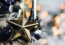 Estrela do Natal do ouro Imagens de Stock Royalty Free