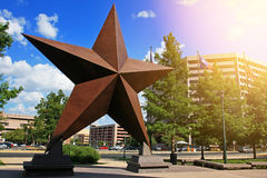 Estrela grande decorada na cidade de Austin foto de stock