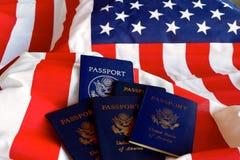 Estrela, listras e passaportes Fotos de Stock Royalty Free