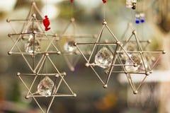 Estrelas de David de suspensão Foto de Stock Royalty Free