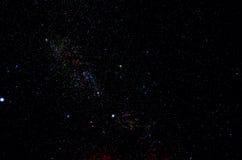 Estrelas e fundo do universo da noite do céu do espaço da galáxia imagens de stock