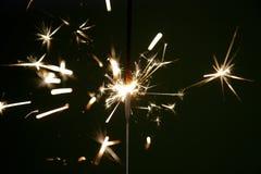 Estrelas e Sparklers dos fogos-de-artifício foto de stock