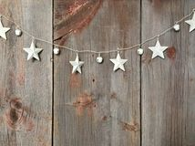 Estrelas em imagens relacionadas do Natal de madeira do fundo imagem de stock