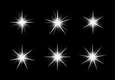 Estrelas shinning brancas no fundo preto ilustração stock