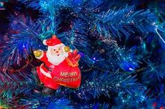 estrella brillante 2017 del fondo de la tradición del invierno del año de Navidad del día de fiesta del gallo de la Navidad Foto de archivo