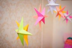 Estrella de la decoración de la Navidad en la sala de estar para la celebración Foto de archivo