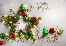 Estrella de la Navidad con las chucherías Fotografía de archivo libre de regalías