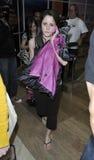 Estrella de televisión adolescente de la mama Jenelle Evans en LAX Fotografía de archivo libre de regalías