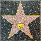 Estrella de Walt Disneys en el paseo de Hollywood de la fama foto de archivo