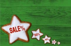 Estrella del canela de la venta en concepto de madera verde Imagenes de archivo
