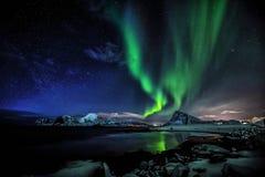 Estrella polar de la aurora la señora verde fotos de archivo libres de regalías