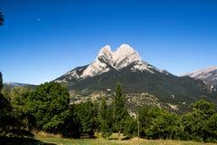 Estrella sola en la montaña foto de archivo
