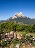 Estrella sola en la montaña imágenes de archivo libres de regalías