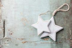 Estrellas de madera de las decoraciones de la Navidad Foto de archivo libre de regalías