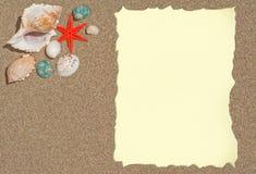 Estrellas de mar con el papel en blanco para una lista, un menú o un texto Foto de archivo libre de regalías