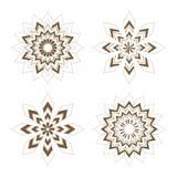 Estrellas de oro - copos de nieve stock de ilustración