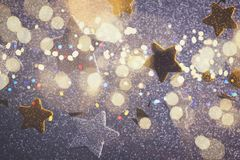 Estrellas de plata y de oro de la Navidad Imagen de archivo libre de regalías