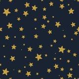 Estrellas del brillo del oro en el cielo Foto de archivo