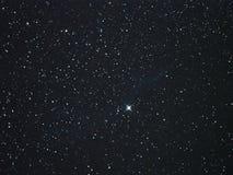 Estrellas del cielo nocturno, nebulosa de la constelación del cygnus imágenes de archivo libres de regalías