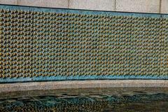 Estrellas del oro de la pared de la libertad en el monumento de la Segunda Guerra Mundial - Washington, D C , los E Imagen de archivo libre de regalías