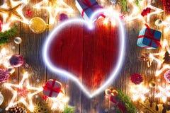 Estrellas del vintage del corazón de la postal de la Navidad foto de archivo libre de regalías