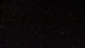 Estrellas en cielo nocturno almacen de metraje de vídeo