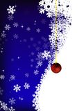 Estrellas y copos de nieve en fondo del cielo azul Imagen de archivo