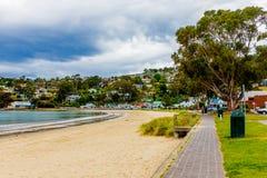Estremità del sud della spiaggia di Kingston a Hobart, Tasmania, Australia fotografia stock libera da diritti