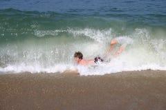 Estremo praticante il surfing del corpo Fotografia Stock Libera da Diritti