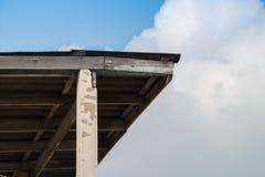 Estructura bajo viejo estilo del tejado Fotografía de archivo