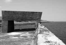 Estructura concreta en el puerto en el craster en northumbria imagen de archivo libre de regalías