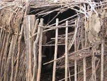 Estructura de la choza de Maasai Fotos de archivo