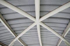 Estructura de tejado imagenes de archivo