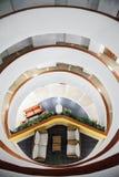 Estructura interior del hotel del acuario de Decameron Imágenes de archivo libres de regalías